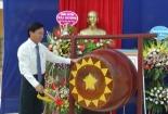 Đồng chí phó bí thư thường trực Tỉnh ủy dự lễ khai giảng tại trường THPT Mỹ Tho huyện Ý Yên.