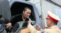Cảnh sát giao thông mạnh tay xử lý 'ma men' dịp Tết