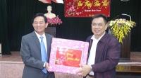 Đồng chí Nguyễn Phùng Hoan - Phó Chủ tịch UBND tỉnh chúc tết cán bộ, công nhân viên Công ty cổ phần môi trường Nam Định.