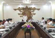 """Ban Kinh tế Trung ương làm việc với Thường trực Tỉnh ủy về tổng kết 10 năm thực hiện Nghị quyết Hội nghị lần thứ 4 BCH Trung ương Đảng khóa X (Nghị quyết số 09-NQ/TW) về """"chiến lược biển Việt Nam đến năm 2020""""."""