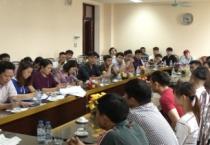 Ban tổ chức giọng hát hay trên sóng truyền hình Nam Định  gặp mặt các thí sinh tham dự cuộc thi.