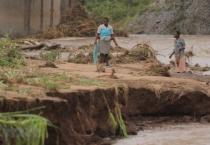 Bão nhiệt đới Idai đổ bộ Mozambique và Zimbabwe, hơn 120 người chết