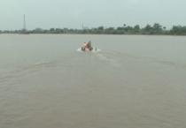 Công an tỉnh tổ chức lớp tập huấn công tác phòng chống lụt, bão, tìm kiếm cứu nạn và đào tạo, cấp chứng chỉ lái xuồng công an nhân dân.