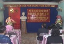 Đồng chí Nguyễn Viết Hưng - Ủy viên Ban TVTU, Phó chủ tịch thường trực HĐND tỉnh dự ngày hội Đại đoàn kết toàn dân tộc với nhân dân tổ dân phố số 29, phường Phan Đình Phùng, thành phố Nam Định.