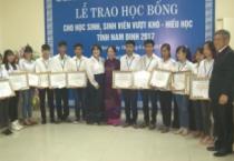Hội Khuyến học tỉnh phối hợp với Hiệp hội doanh nghiệp Hàn Quốc tại Nam Định tổ chức lễ trao học bổng cho học sinh, sinh viên vượt khó, hiếu học tỉnh Nam Định và tỉnh Thái Bình.