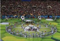 Lễ khai mạc VCK World Cup 2018 diễn ra sôi động và sâu lắng