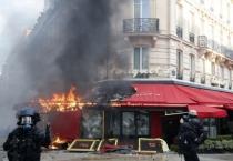 Paris ngổn ngang sau biểu tình bạo động