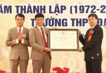 Trường THPT Mỹ Lộc huyện Mỹ Lộc kỉ niệm 45 năm ngày thành lập trường, đón nhận Bằng công nhận trường đạt chuẩn