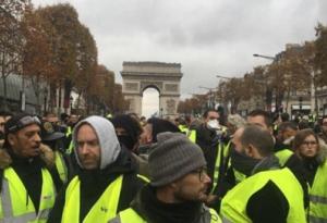 Ai Cập: Lo ngại biểu tình, chính phủ cấm người dân mua áo phản quang màu vàng